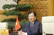 Phó Thủ tướng Trịnh Đình Dũng trả lời về việc xây dựng đường cao tốc