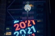 Mỹ: New York thả quả cầu đón mừng Năm mới 2021 trong không khí đìu hiu