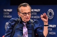 """""""Vua truyền hình"""" Mỹ Larry King nhập viện điều trị do mắc COVID-19"""
