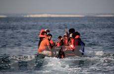 Số vụ người di cư vượt biển Manche tăng gấp 4 lần trong năm 2020