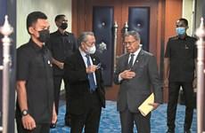 Malaysia: Bộ trưởng mắc COVID-19 từng tiếp xúc Thủ tướng và Quốc vương