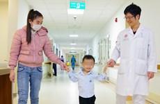 Phẫu thuật thành công cho bệnh nhi 3 tuổi vẹo cột sống bẩm sinh