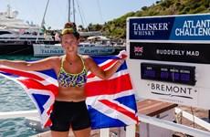 Cô gái trẻ nhất thế giới lập kỷ lục chèo thuyền vượt Đại Tây Dương