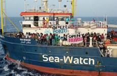 Tổ chức từ thiện Đức giải cứu gần 150 người di cư ngoài khơi Libya