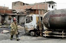 Peru: Đá rơi xuống đường cao tốc gây nổ liên hoàn 6 xe bồn chở xăng
