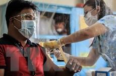 Philippines cho phép sử dụng vaccine của Sinovac cho người cao tuổi