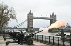 Quân đội Anh bắn 41 phát đại bác tưởng nhớ Thân vương Philip