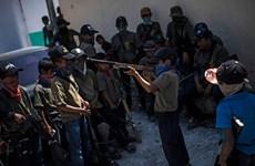 [Video] Người dân Mexico trang bị súng cho trẻ em để tự bảo vệ