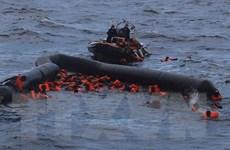 Phát hiện một con thuyền bị đắm cùng với 10 thi thể ngoài khơi Libya