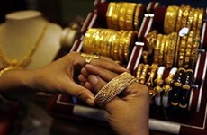 Lợi suất trái phiếu Mỹ tăng, giá vàng châu Á xuống mức thấp nhất tuần
