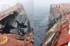 Va chạm tàu ngoài khơi Trung Quốc làm 400 tần dầu tràn ra biển