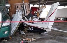 Mexico: Máy bay đâm xuống đường cao tốc khiến 6 người tử nạn