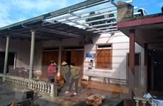 Lào Cai: Lốc xoáy làm 2 người bị thương, hàng chục ngôi nhà tốc mái