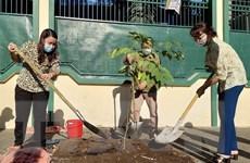Thành phố Hồ Chí Minh hưởng ứng Tết trồng cây kỷ niệm sinh nhật Bác