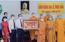 Bí thư Thành ủy Hồ Chí Minh thăm, chúc mừng tại các cơ sở Phật giáo
