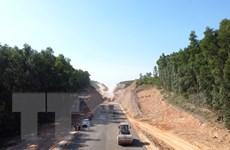 Đẩy nhanh tiến độ dự án cao tốc Cam Lộ-La Sơn đoạn qua Quảng Trị