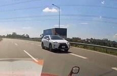 Phạt 17 triệu đồng, tước GPLX 6 tháng tài xế đi ngược chiều cao tốc