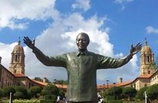Câu chuyện về bức tượng đồng Nelson Mandela lớn nhất thế giới