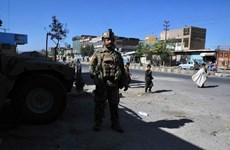 Binh lính Afghanistan tháo chạy trước làn sóng tấn công của Taliban
