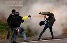 Mỹ: Đụng độ dữ dội giữa nhóm cực hữu và người chống phát xít