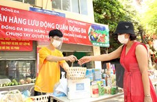 Dịch COVID-19: Hà Nội đưa hàng hóa lưu động đến tận khu dân cư