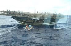 Tàu SAR 412 kịp thời ứng cứu ngư dân đột quỵ trên biển Trường Sa