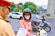 Hà Nội: Lúng túng trong xác định nhóm đối tượng được cấp giấy đi đường