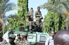 Quân đội Sudan bao vây nhà Thủ tướng, bắt giữ các quan chức cấp cao