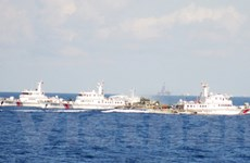 Trung Quốc ngày càng hung hăng, tàu Việt Nam kiên cường bám trụ