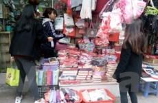 """""""Sốt"""" dịch vụ tặng quà trong mùa Lễ Tình nhân Valentine"""