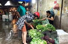Hà Nội: Giá rau, thực phẩm tăng mạnh do ảnh hưởng mưa bão