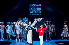 """[Photo] Bộ sưu tập No.8 làm """"dậy sóng"""" Tuần lễ thời trang Việt"""
