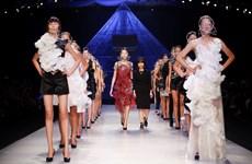 Ấn tượng với bộ sưu tập của thương hiệu Defined Moment Couture