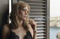 Angelina Jolie gặm nhấm nỗi đau tột cùng của người vợ cô đơn