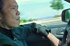 """Nghệ sỹ Hoài Linh """"chất lừ"""" trên môtô phân khối lớn trong phim mới"""