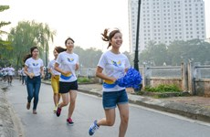 """""""Run to Give"""": Cùng thế giới thi chạy từ thiện vì trẻ em nghèo"""