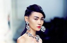 """Người mẫu Việt đồng loạt """"tấn công"""" các Tuần lễ thời trang quốc tế"""