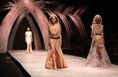Những cô nàng Sahara đầy gợi cảm trong thiết kế của Julien Fouriné