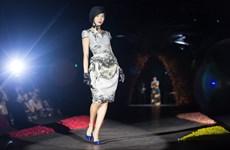 """[Photo] """"Sóng đại dương"""" mở màn Vietnam International Fashion Week"""