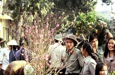 """Việt Nam 30 năm trước trong những bức ảnh """"có cả mùi hương"""""""