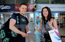 Khách Tây Âu đến Việt Nam tăng mạnh sau 11 tháng miễn thị thực
