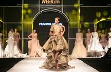 Những chiếc đầm lộng lẫy, ấn tượng của nhà thiết kế Francis Libiran
