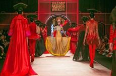 Frederick Lee nhuộm đỏ sàn diễn với bộ sưu tập cảm hứng phương Đông