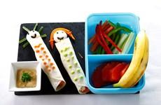 Lớp học miễn phí dạy cách nấu món ăn bổ dưỡng cho bé đến trường