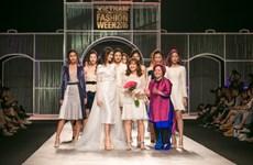 [Photo] Lãng mạn bộ sưu tập phong cách Phục hưng của Giao Linh