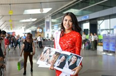 Lệ Hằng mang 12 vali sang Philippines thi Hoa hậu Hoàn vũ 2016