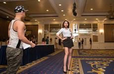 Thí sinh Hoa khôi Du lịch gấp rút luyện catwalk trước giờ G