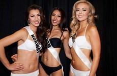 Nguyễn Thị Loan tự tin diễn bikini vòng bán kết Miss Universe 2017