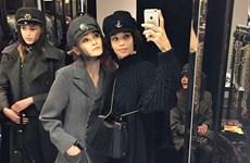 Người mẫu Việt tự tin sải bước trong show diễn của Chanel