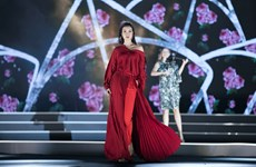 Các thí sinh hoa hậu ấn tượng trong đêm thi thời trang thứ 2
